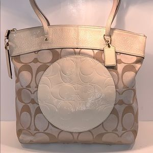 Coach f18335 Laura tote Bag Khaki /Off White/cream